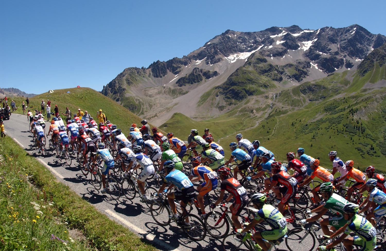 THE PELOTON CLIMBS THE COL DU GALIBIER ON STAGE SEVENTEEN OF THE 2008 TOUR DE FRANCE