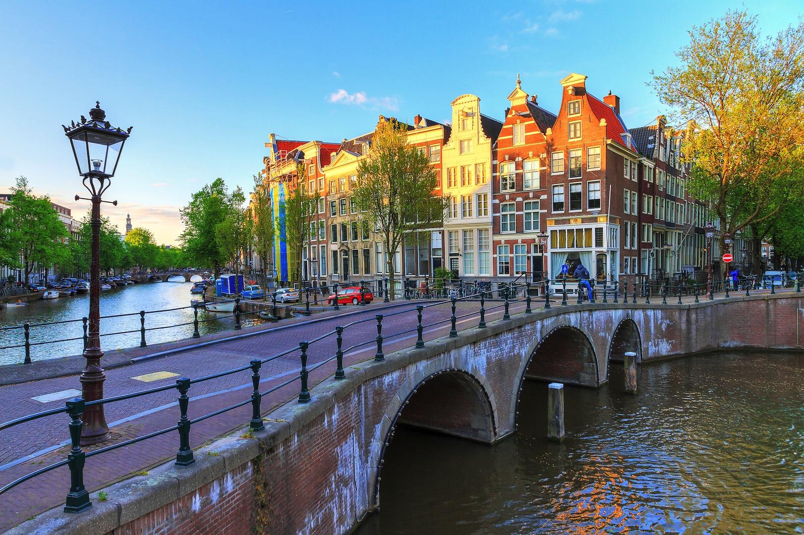 10-raisons-visiter-Amsterdam-Unique-Tours-factory-blog