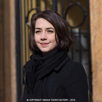 Juliette, private guide in Paris for UniqueToursFactory