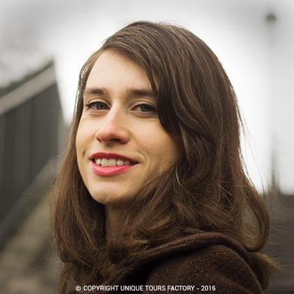 Lisette, private guide in Paris for UniqueToursFactory