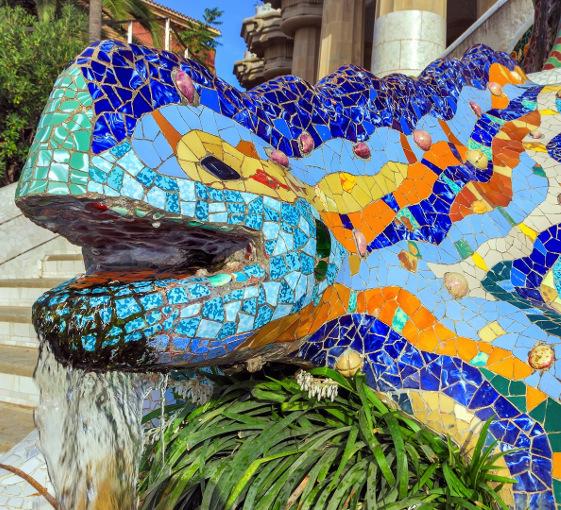 U - Gaudi half day tour Barcelone (561x510) (1)