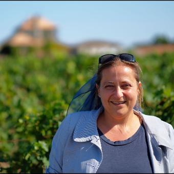 Marie, private and professional local guide in Bordeaux