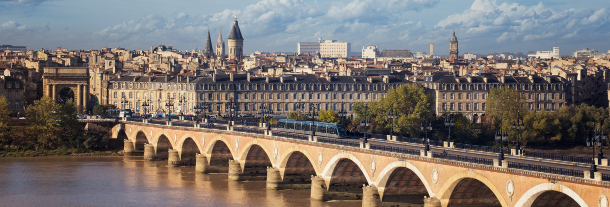 Private highlights tours of Bordeaux and its region