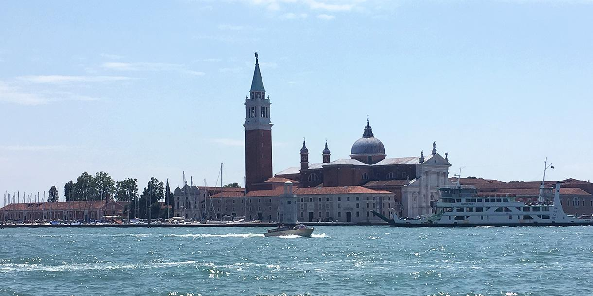 Private tour by boat of the islands of Burano and Torcello from Venice