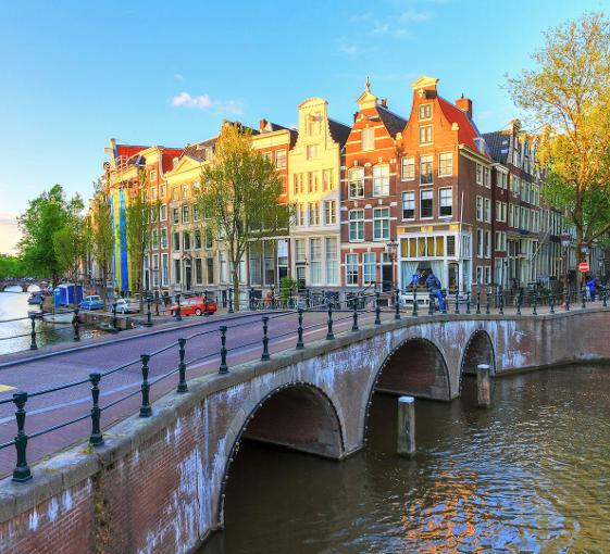 Private walking tour with a passionate local guide in Amsterdam