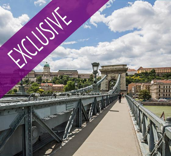 Private walking tour of Pest in Budapest with wine tasting