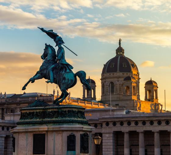 Private history tour in Vienna with Spanish Riding School visit