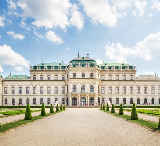 Private full-day highlights tour in Vienna
