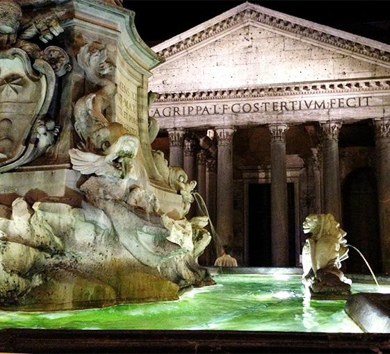 Private tour by night in Rome