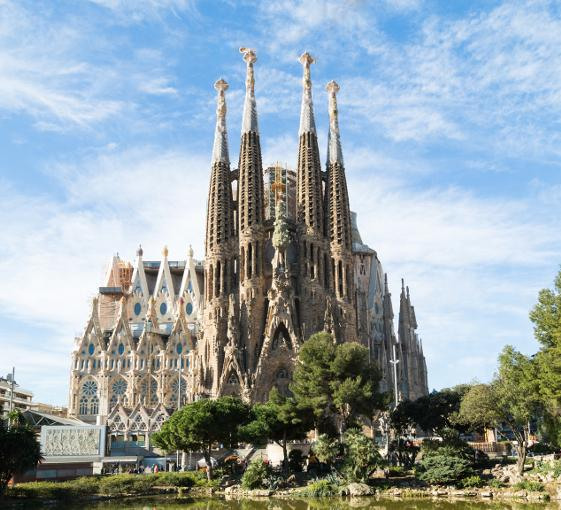 Private tour of Sagrada Familia in Barcelona