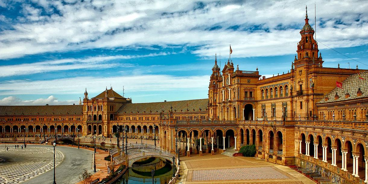 Private tour about Moorish history in Seville