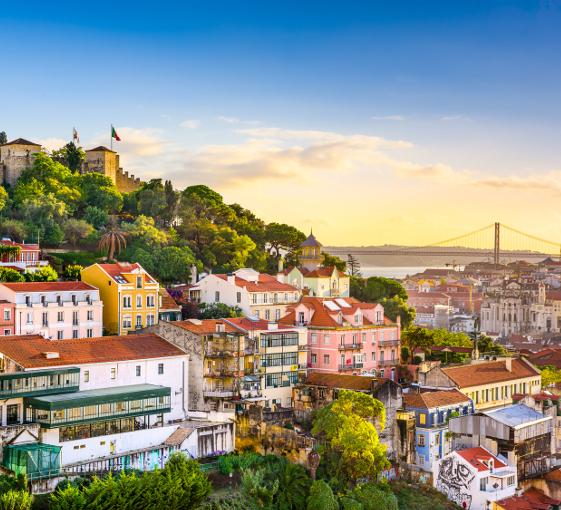 Private history and highlights visit in Lisbon