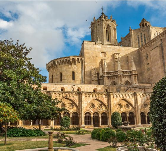 Private history and architecture tour in Tarragona from Barcelona