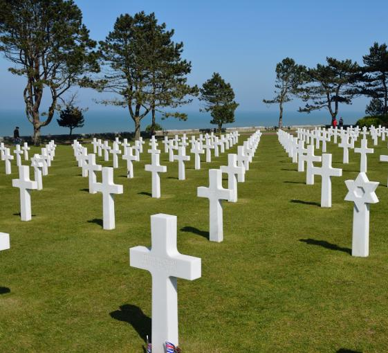 Private historic and military visit in Normandy from Paris