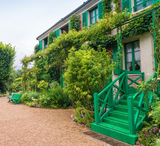 Private tour of a charming village in Giverny from Paris