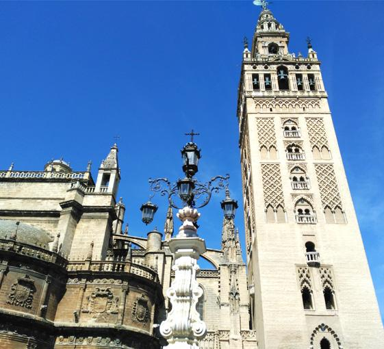 Private panoramic tour in Seville